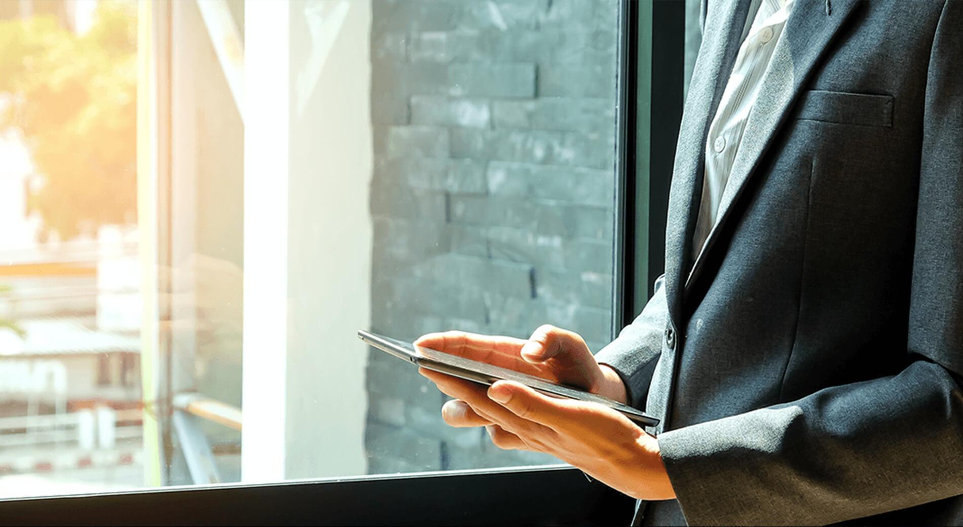 modern-workplace-header